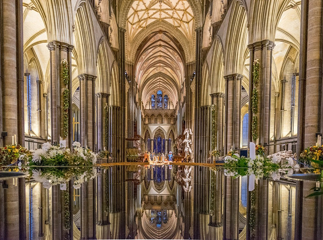 Reflection nikon cathedral salisbury wiltshire 2016 d5300 322970.jpg!d